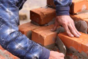 Преимущества строительства кирпича при строительстве