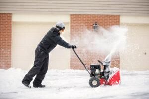 Преимущества использования снегоуборщиков